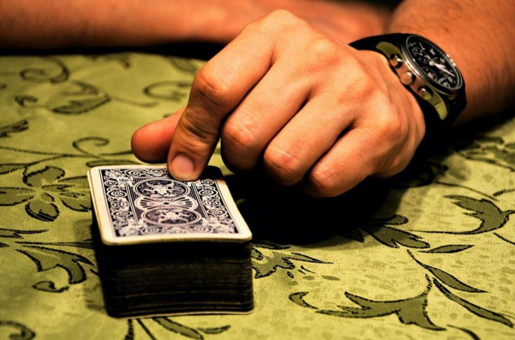 2人で楽しく遊べるトランプゲーム5選